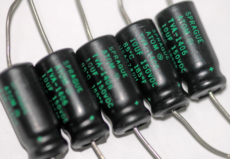 Соединение конденсаторов - основы электроники