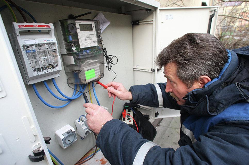С какой периодичностью электролаборатория должна проводить электроизмерения в электроустановках до 1000 в?